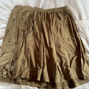 Old Navy green skirt